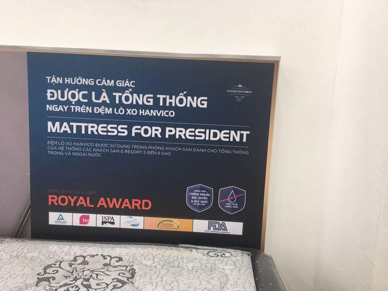 Đệm lò xo Hanvico 4 viền Royal Award