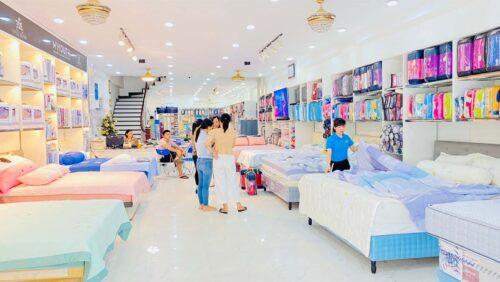Showroom trưng bày chăn ga gối đệm Hanvico của nhà phân phối Đông Á